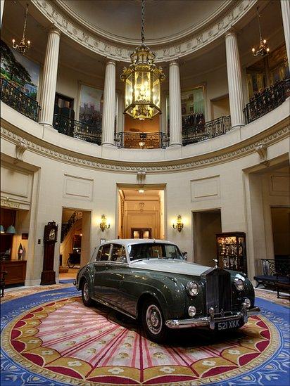 Showcasing of vintage cars!