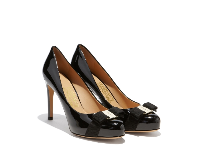 ferragamo-pump-with-grosgrane-bow-black